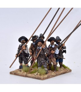 Unarmoured pikemen at porte