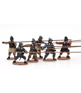 Armoured pikemen attacking