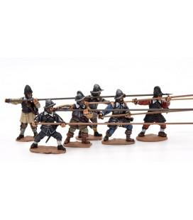 Piqueros con armadura atacando